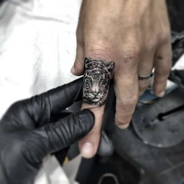 Awesome Finger Male Tattoos Of Tiger