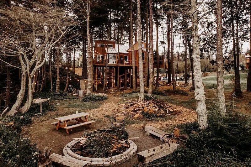 'Eagle's Nest' Treehouse