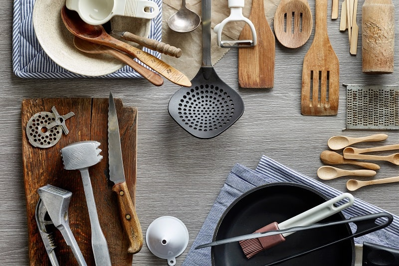 15 Bachelor Pad Kitchen Essentials And Cooking Tools