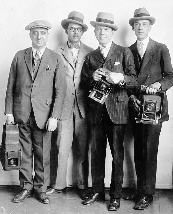 1920s Mens Fashion Shoes And Suits With Hat