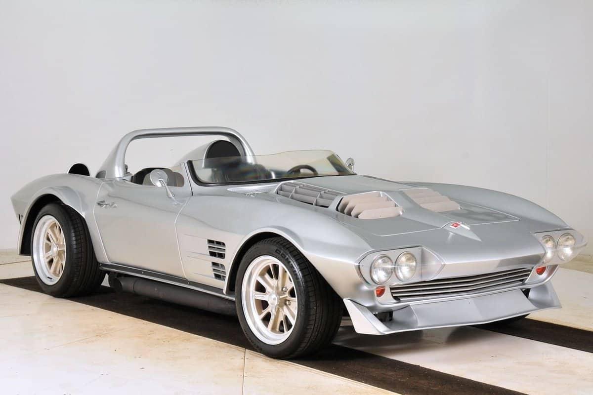 1963-chevrolet-corvette-1