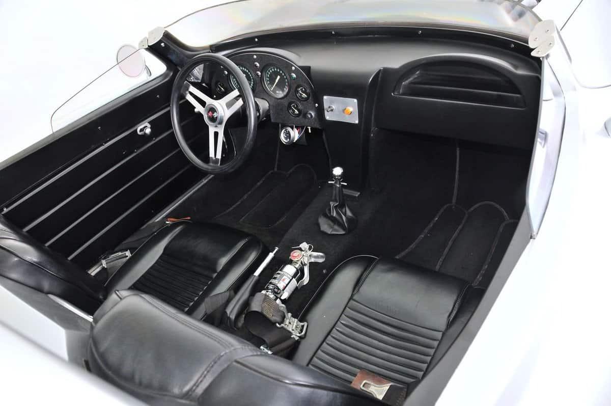 1963-chevrolet-corvette-3