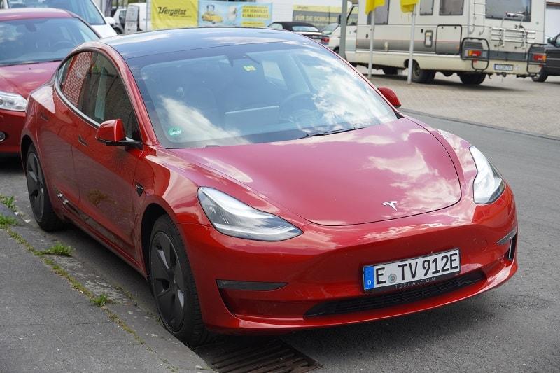 2012-Tesla-Model-S