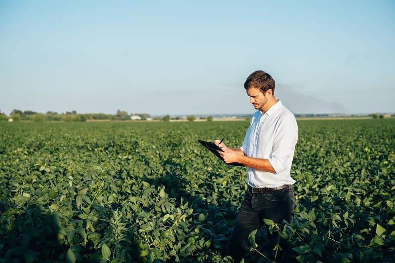 Agronomist - Best Outdoor Jobs For Outdoorsmen