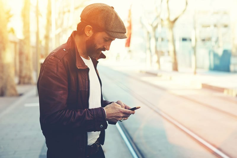 Avoid-Social-Media-If-She-Doesnt-Text-You-Back
