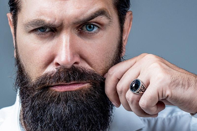 Avoid-Touching-Your-Beard