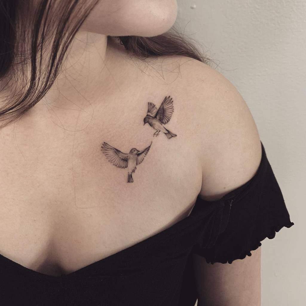 bird-small-realism-single-needle-tattoo-arianaromantattoos