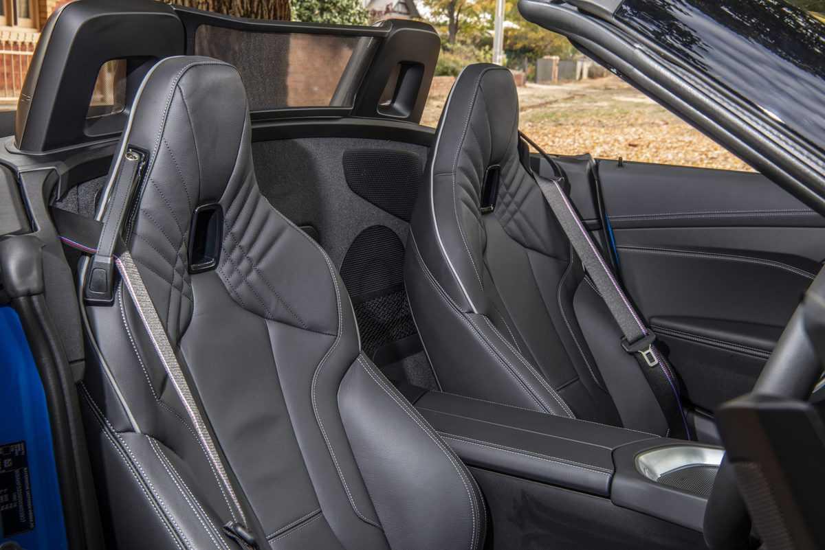 BMW-Z4M40i-13