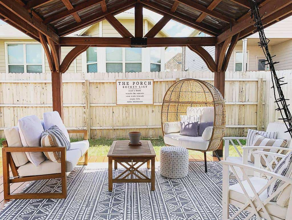 Backyard Deck Privacy Ideas -swiftcohome