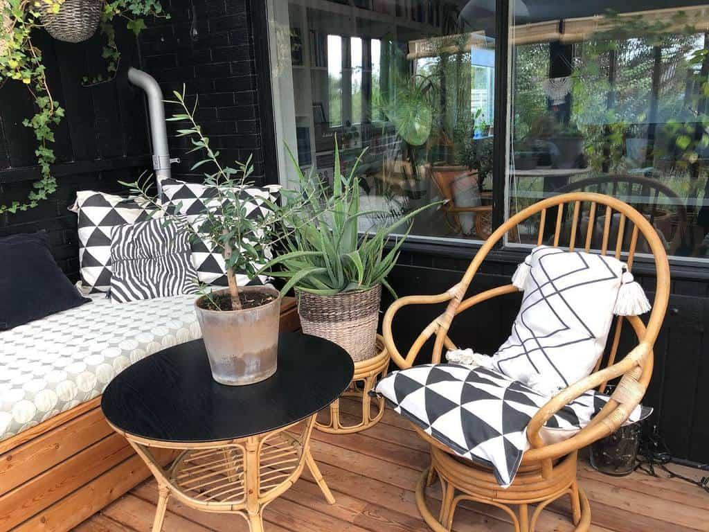 Bamboo Sunroom Furniture Ideas lavenders_on_my_mind