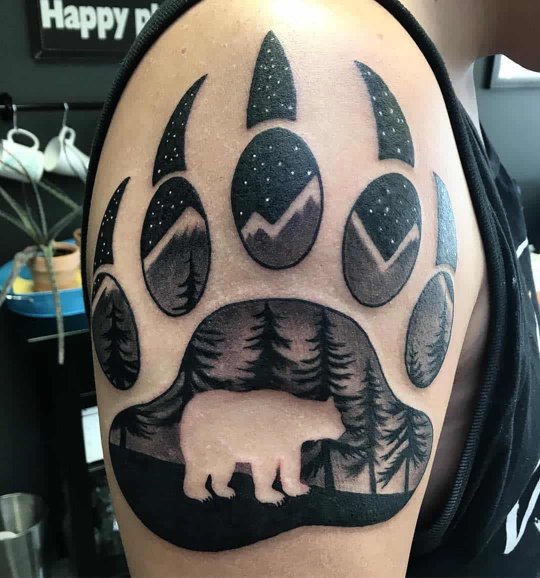 Bear Paw Shoulder Tattoo vanessa.s.tattoos