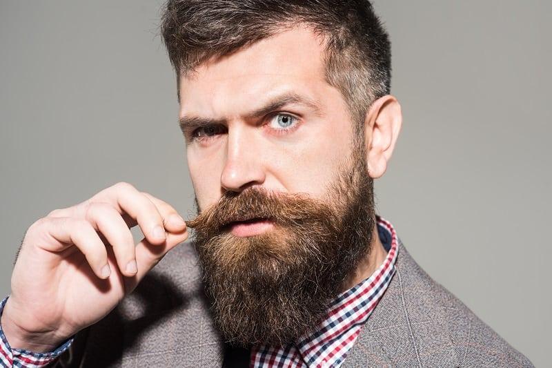 Beard Dandruff 101 – Definitive Guide On How To Get Flake Free
