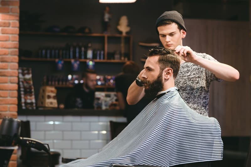Become-a-Barber-Best-Hobbies-For-Men-In-Their-20s