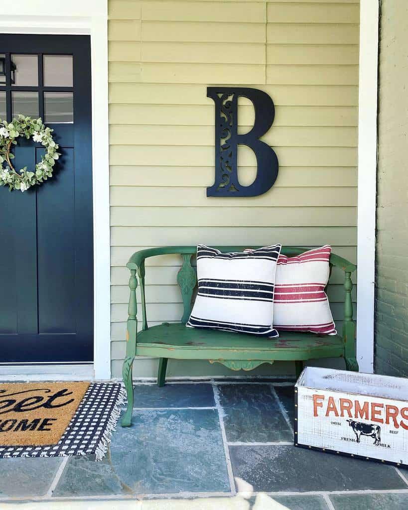 Bench Deck Privacy Ideas -red.barn_farmhouse