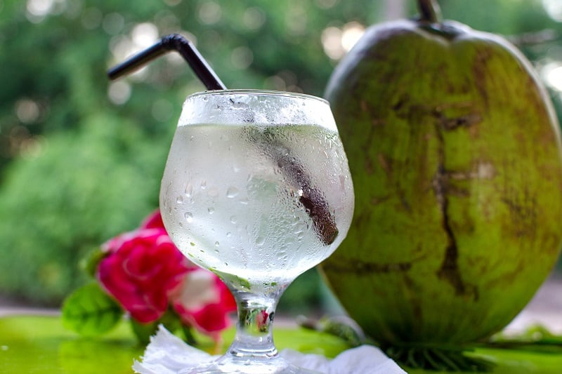 The 10 Best Coconut Water Brands to Try in 2021