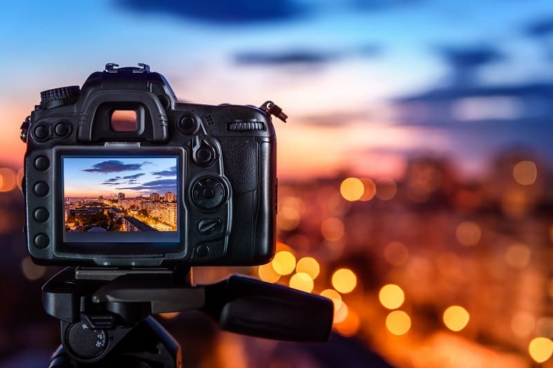 The 8 Best Digital Cameras Under $1000