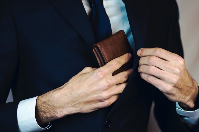The 10 Best Leather Wallets for Men in 2021