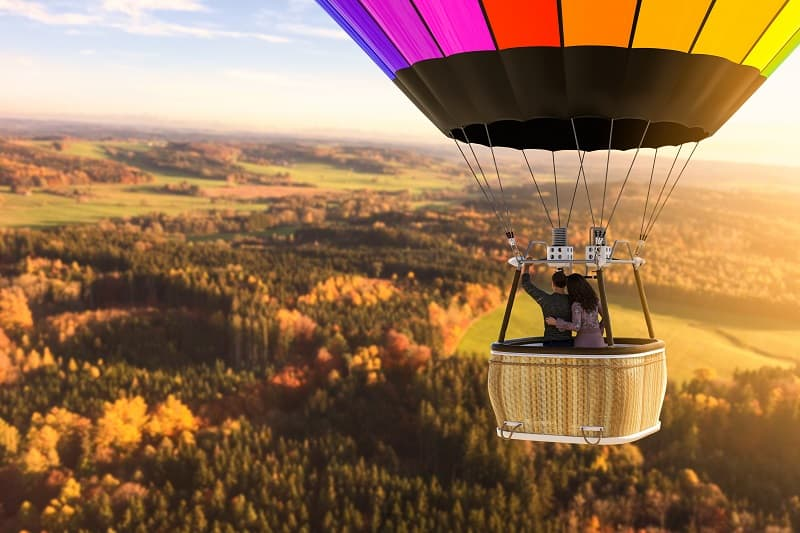 Book-a-Hot-Air-Balloon-Flight-To-Keep-The-Romance-Alive
