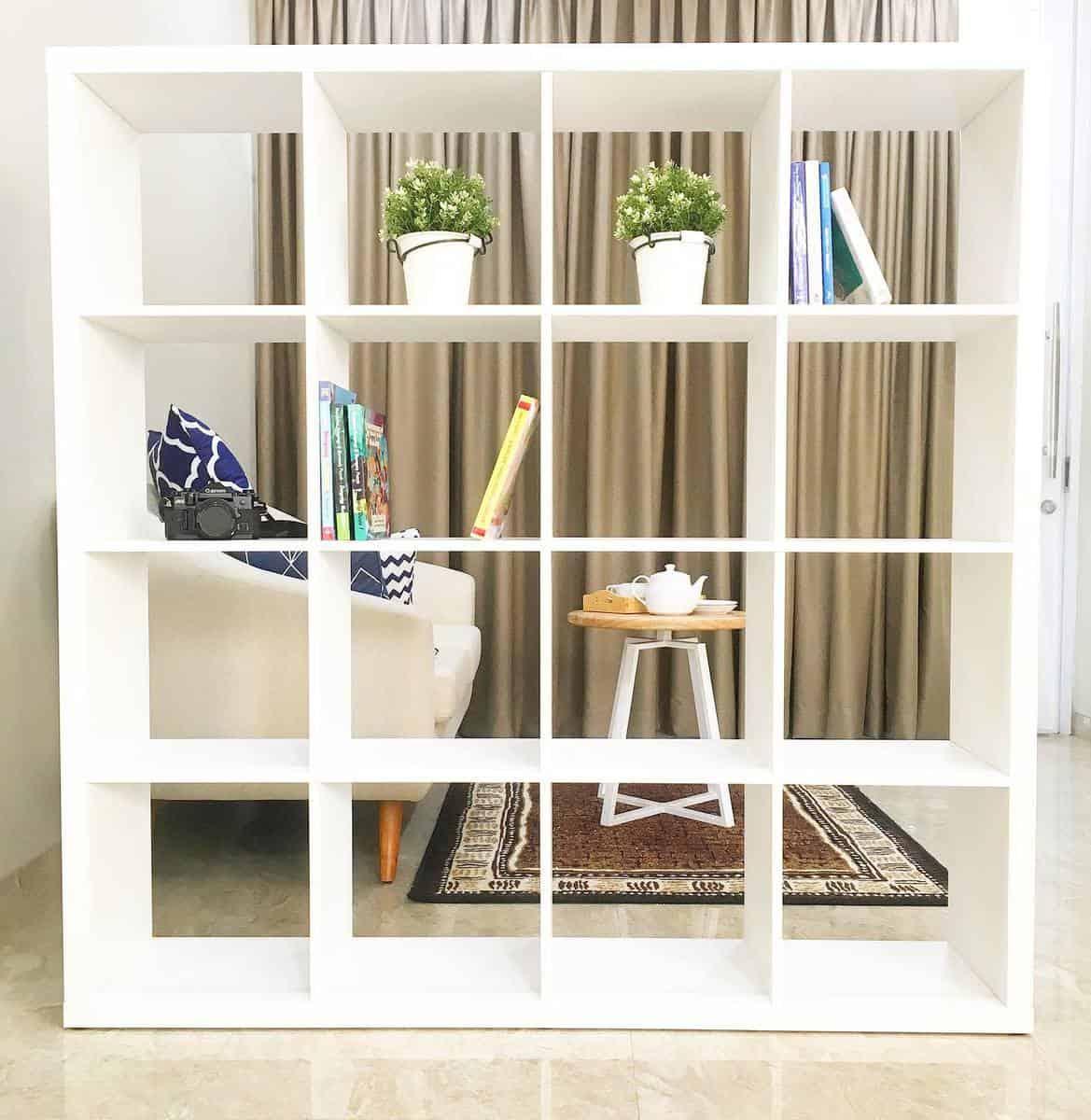 Bookcase Temporary Wall Ideas -littlemoyahome