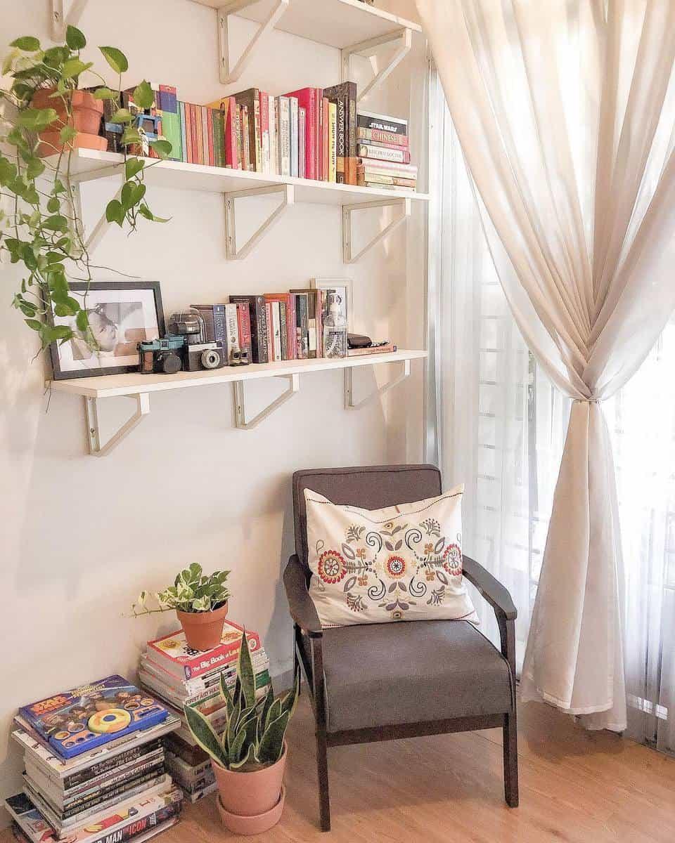 Bookcase Temporary Wall Ideas -sofia_masri