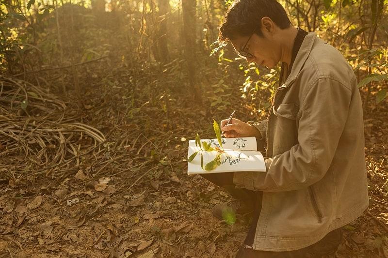 Botanist - Best Outdoor Jobs For Outdoorsmen