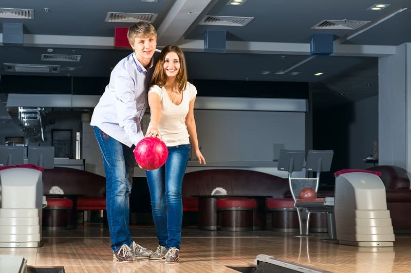 Bowling-Valentines-Day-Date-Ideas