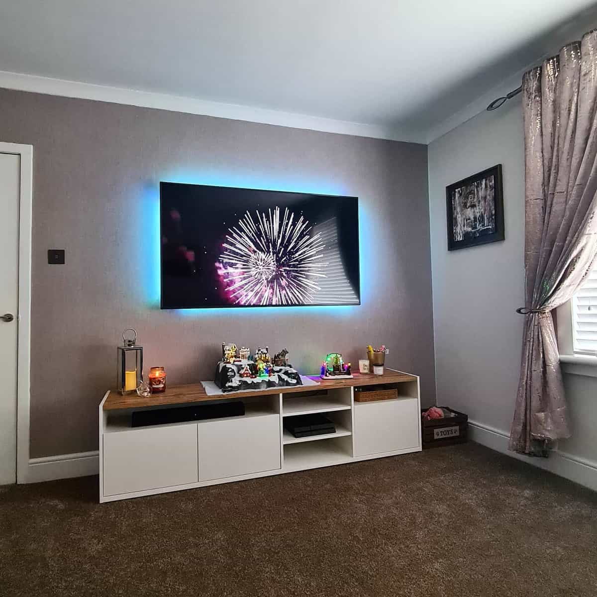 Brown Living Room Carpet ideas -excouncil_housetohome