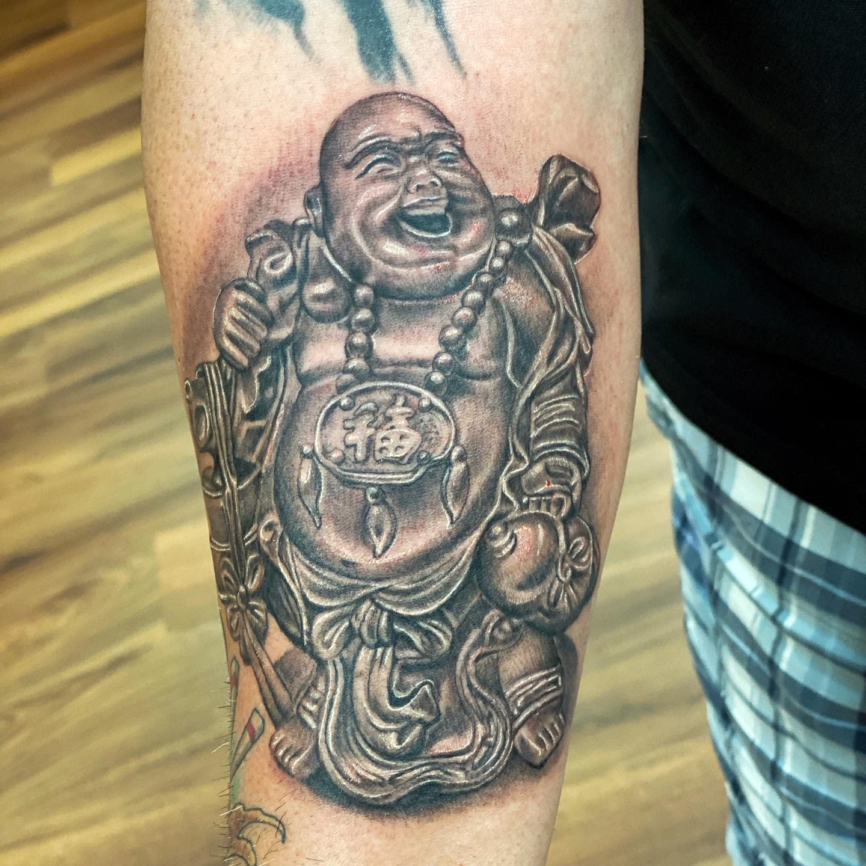 Laughing Buddha Tattoo -guapomole