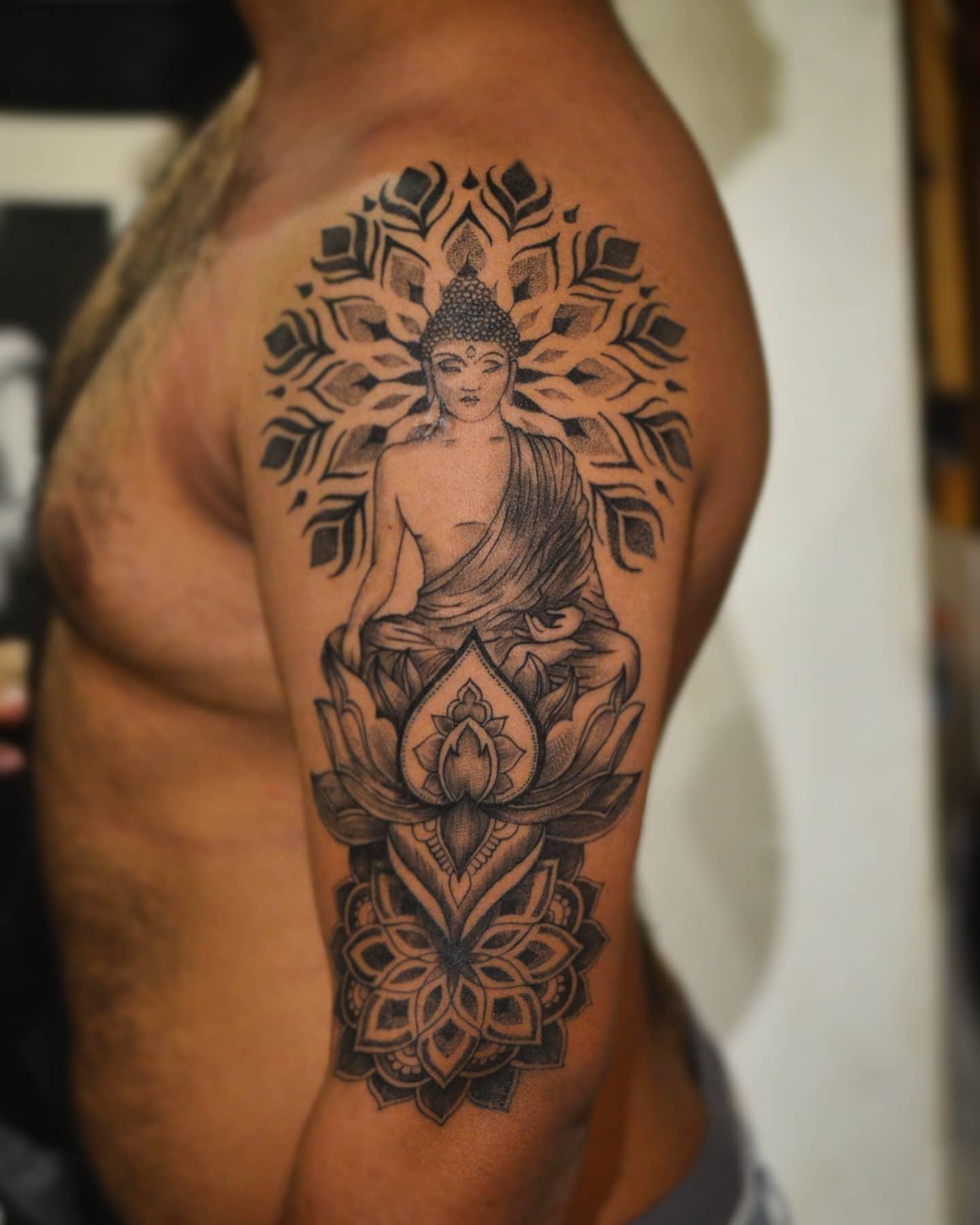 Mandala Buddha Tattoo -eshavarpe