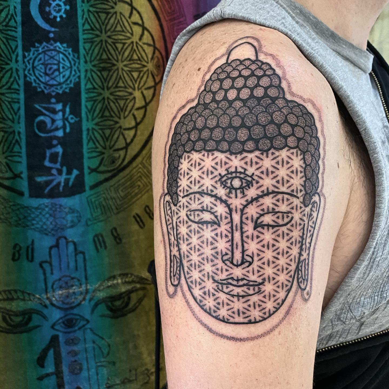 Shoulder Buddha Tattoo -saladtatts