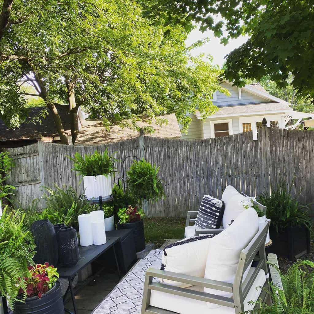 Budget DIY Backyard Ideas -lisa.mc.pharm