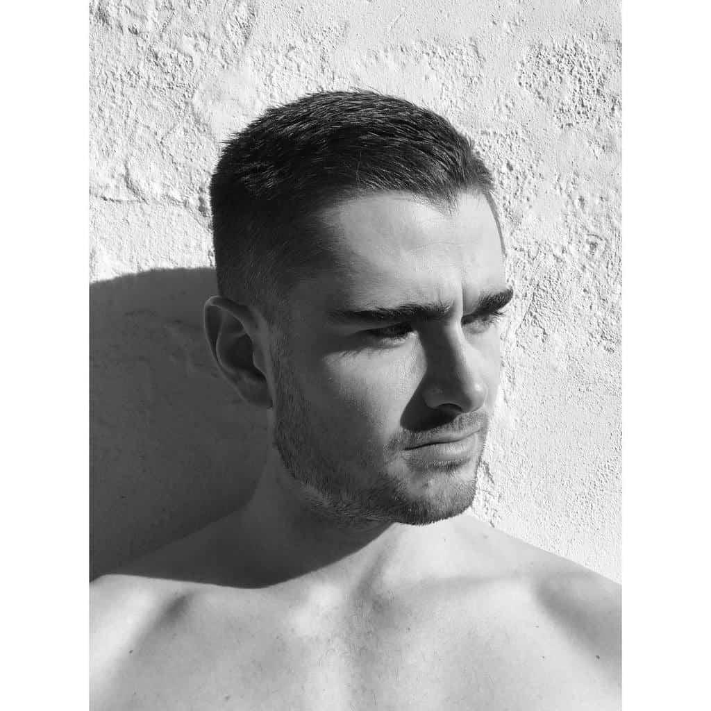 Buzz Cuts for Men With Wavy Hair seanvannoordwyk