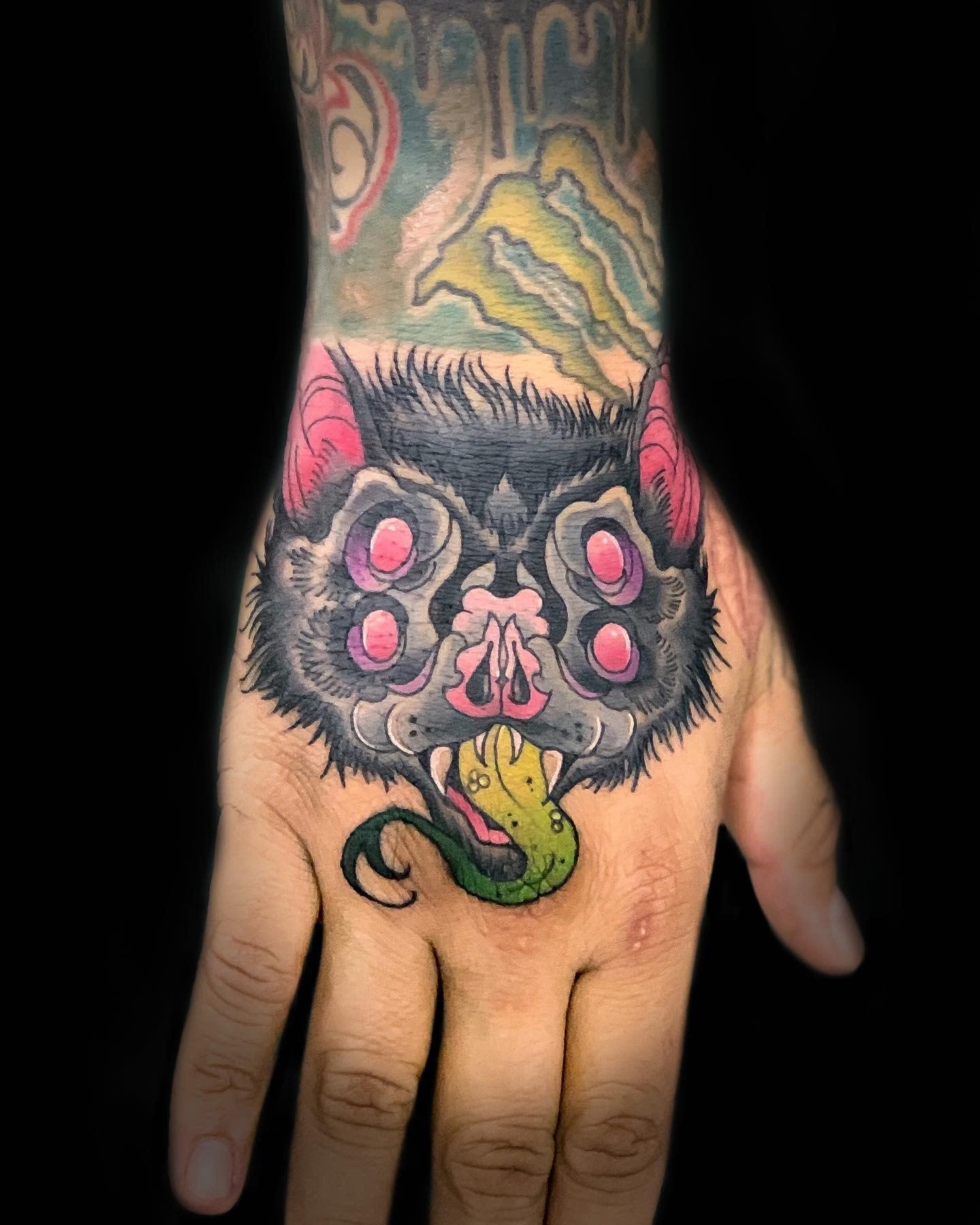 Bat COVID Tattoo -pparratia