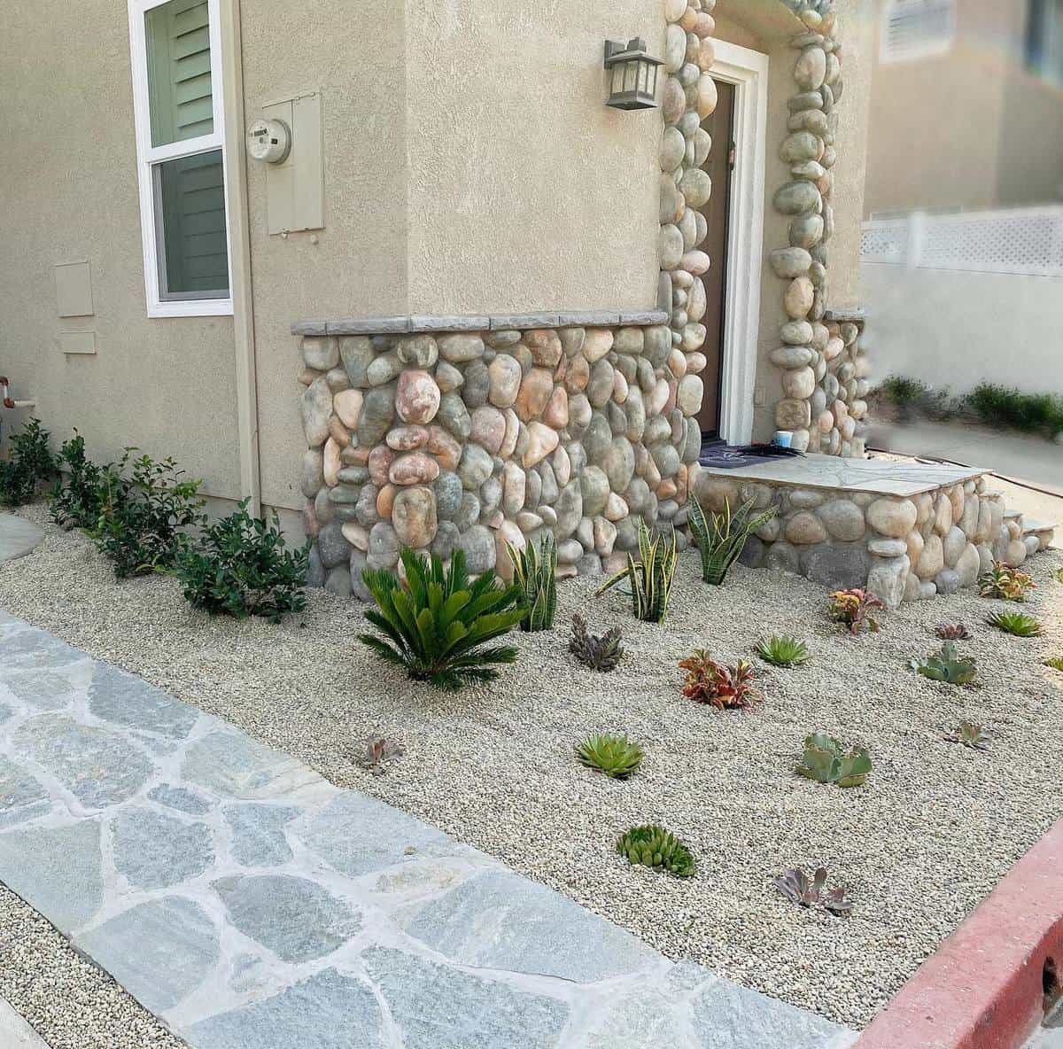 Cactus Garden Grass Free Yard Ideas -tracysbytheyard