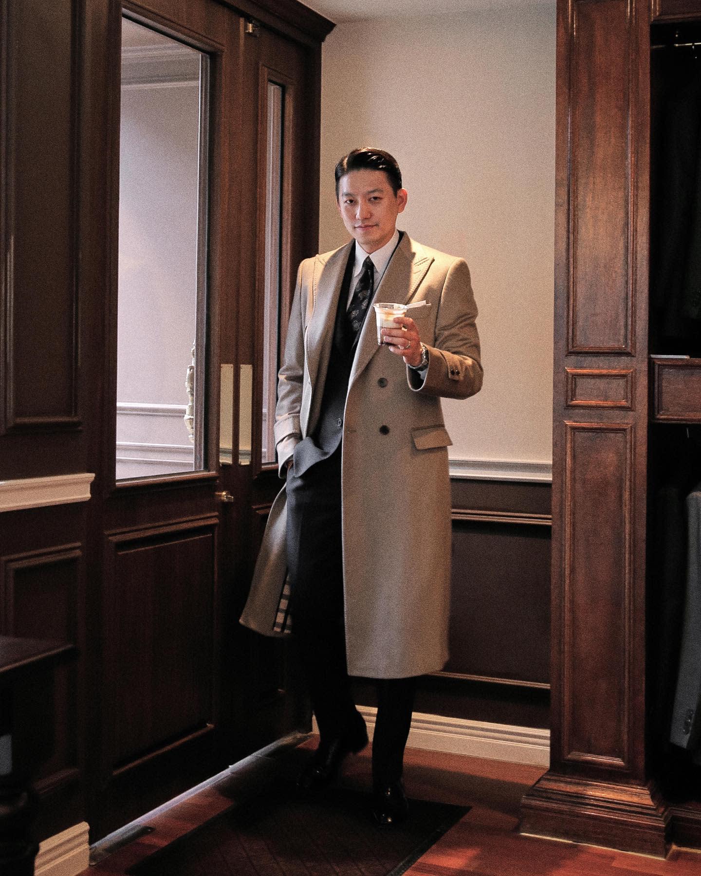 Brown Chesterfield Coat -kim_n_seo_sartoria