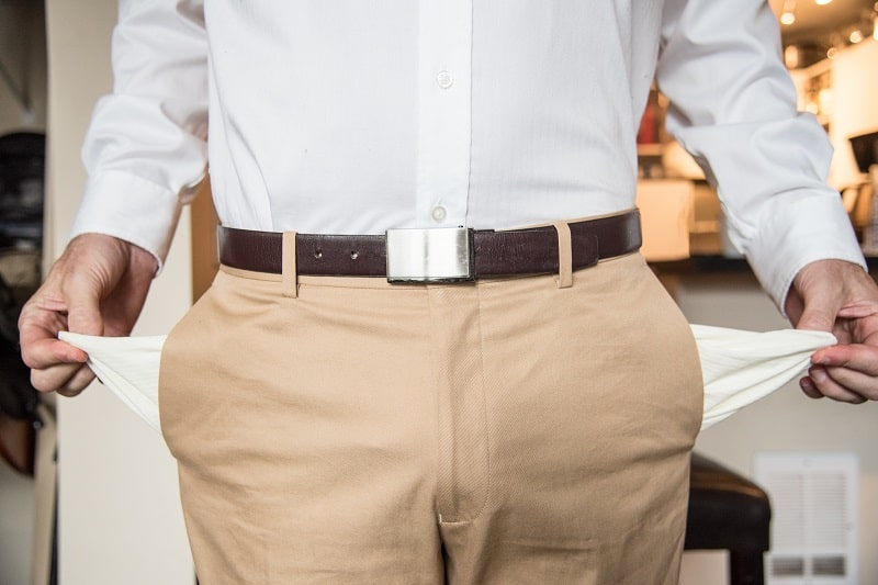 Chinos vs Khakis – What Makes These Men's Trousers Stand Apart