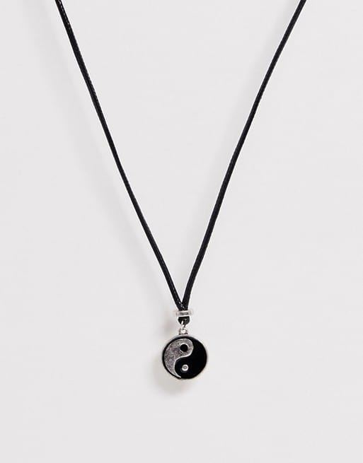 classics 77 yin and yang pendant neck chain in black