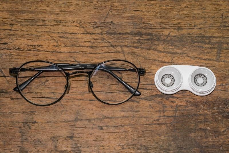 Contact Lenses and Glasses - Ultimate Men's Dopp Kit