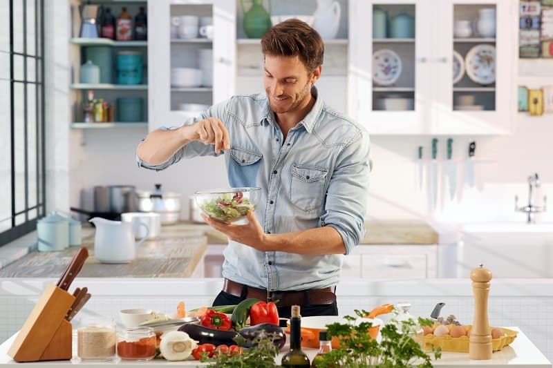 Cooking-Best-Hobbies-For-Men-In-Their-20s