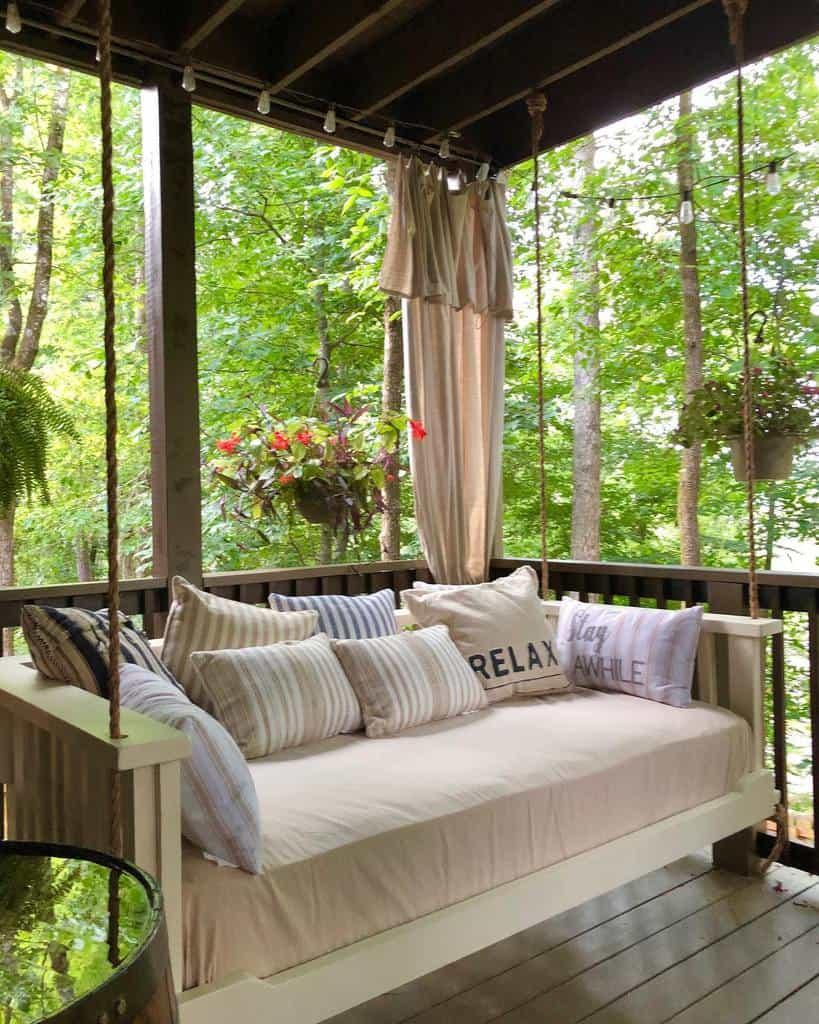 Cozy Deck Decorating Ideas -waterhousemarket