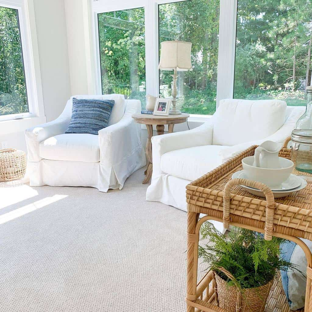 Cozy Sunroom Furniture Ideas lifeonsecludedlake