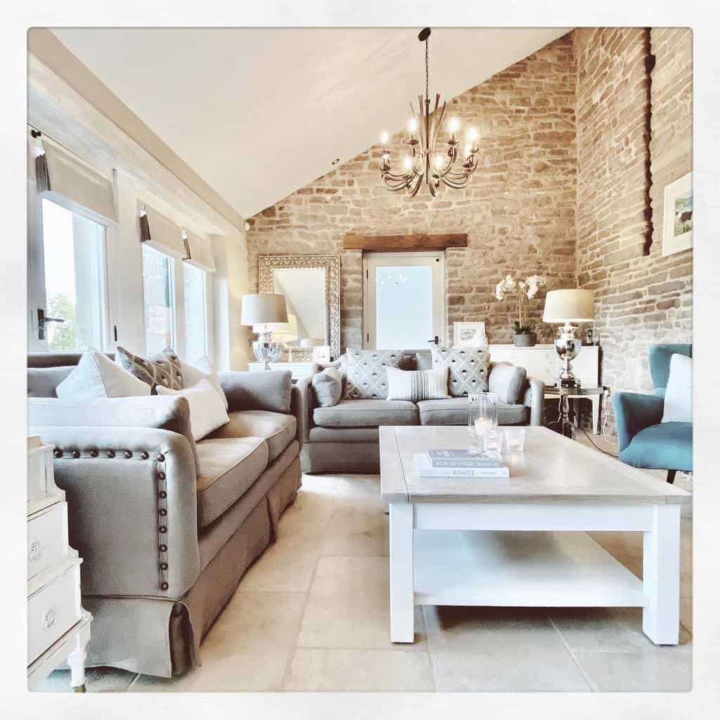 Cozy Sunroom Furniture Ideas mygranarybarn