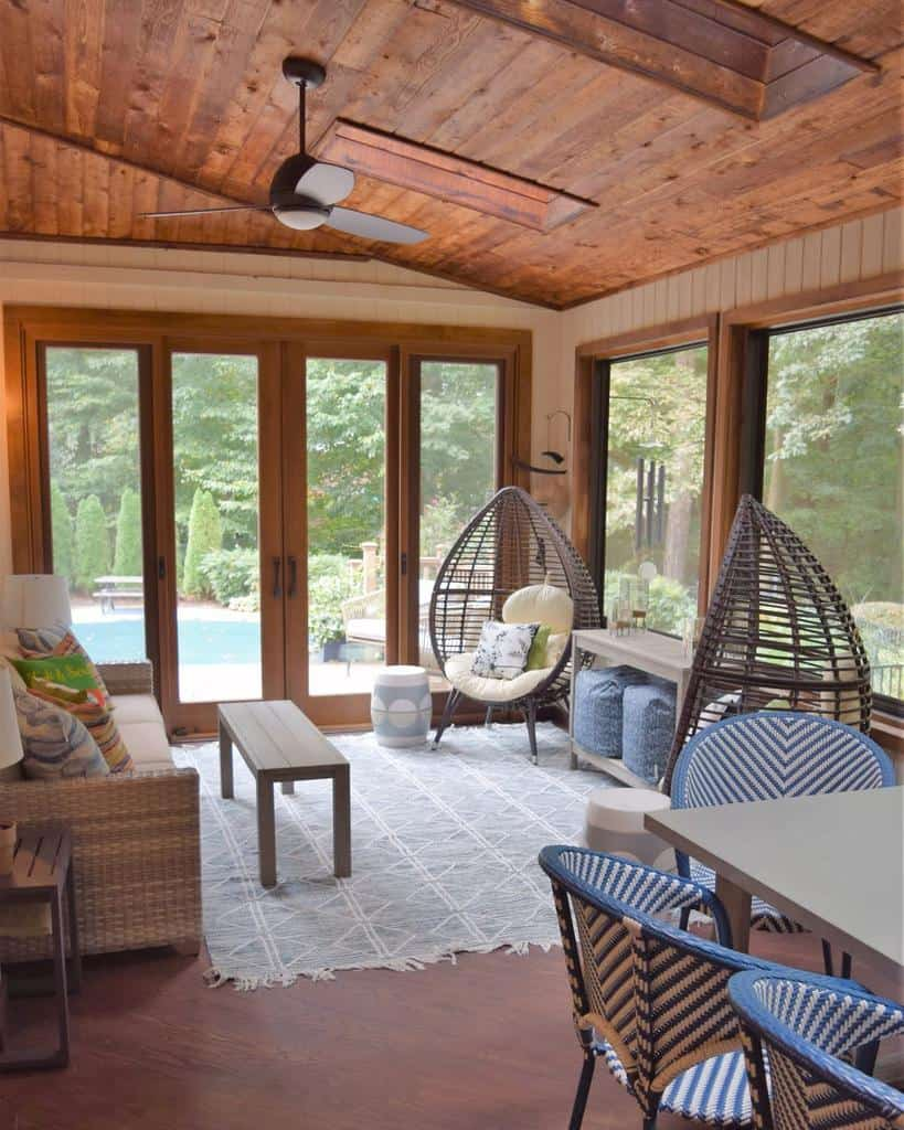 Cozy Sunroom Furniture Ideas redbirdredesign