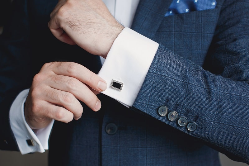 Cufflinks-Tuxedo-vs.-Suit