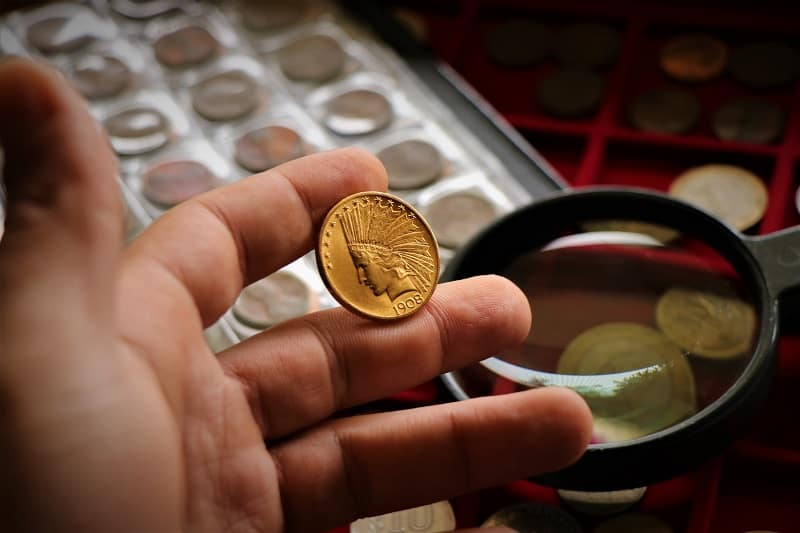 Currency-Collecting-Hobbies-For-Men