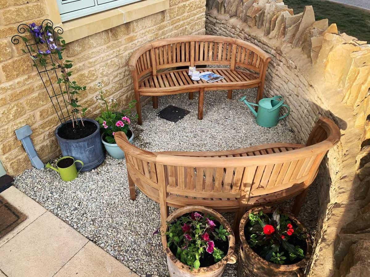 Curved Garden Bench Ideas -littlecharliep