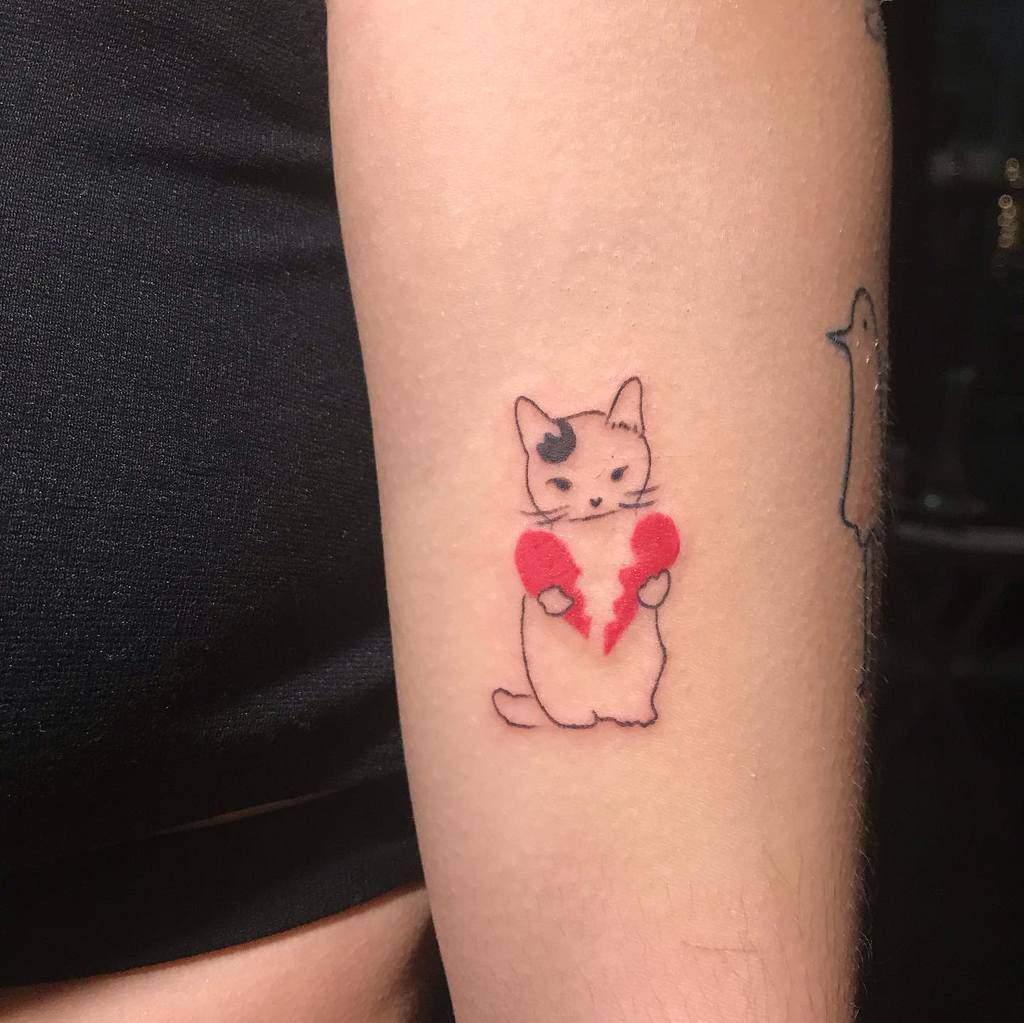 Cute Cat Outline Tattoo uumago