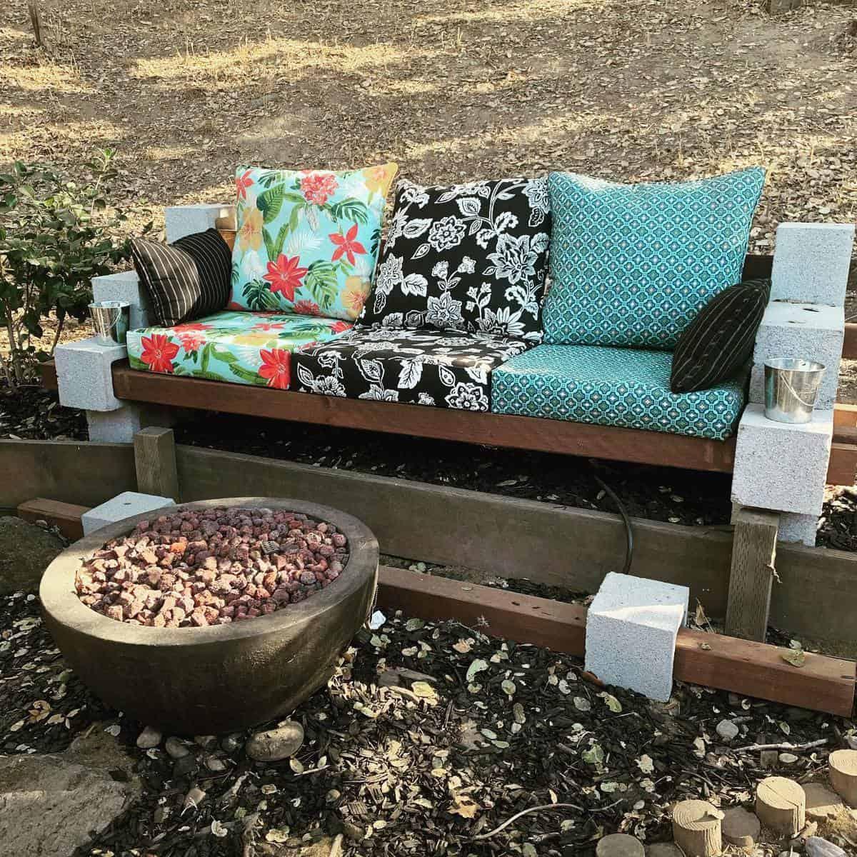 DIY Garden Bench Ideas -diysusie