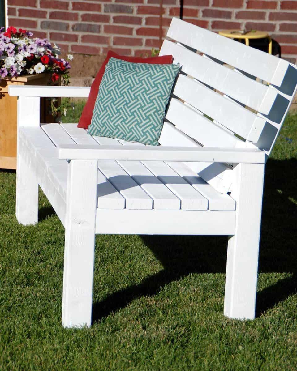 DIY Garden Bench Ideas -thecreativemom
