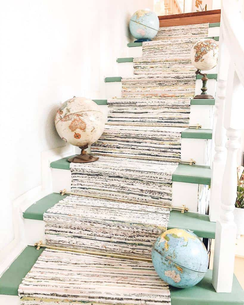 DIY Stair Runner Ideas -dome_for_5